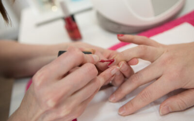 How to keep your nails chip-free and shiny between appointments